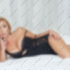 claudia-ferrari-escort-prague-6