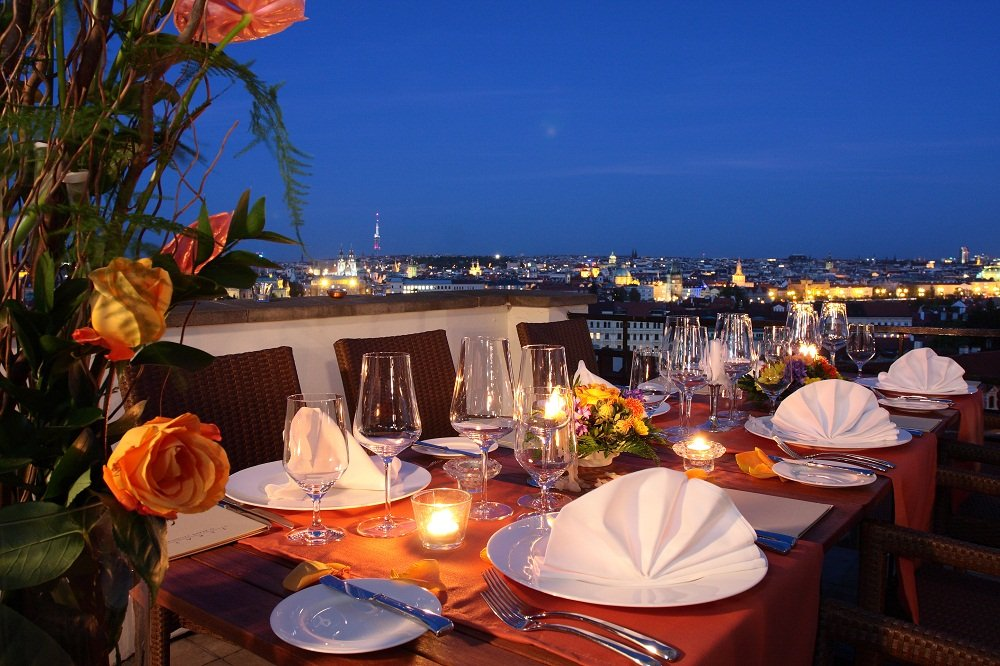 Romantic dinner date with escort in Prague