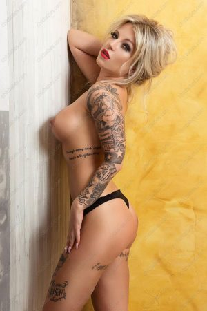 Ashley Glam - tatooed escort in Prague